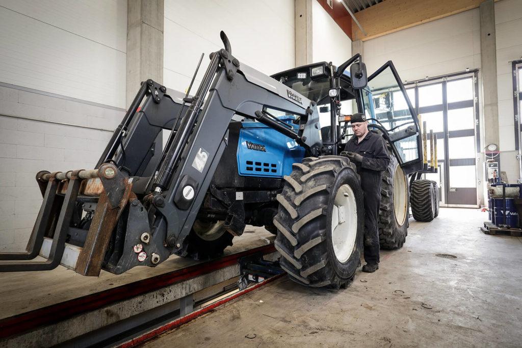 traktoreiden huollot